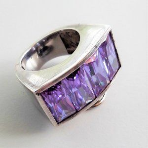 Vintage Sterling Silver Ring w. Lilac Gemstones